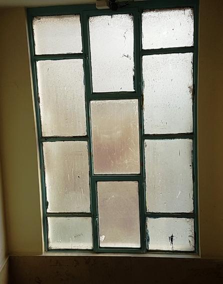 انجمن هنر دبیرستان سلام صادقیه - ویترای پنجره 1